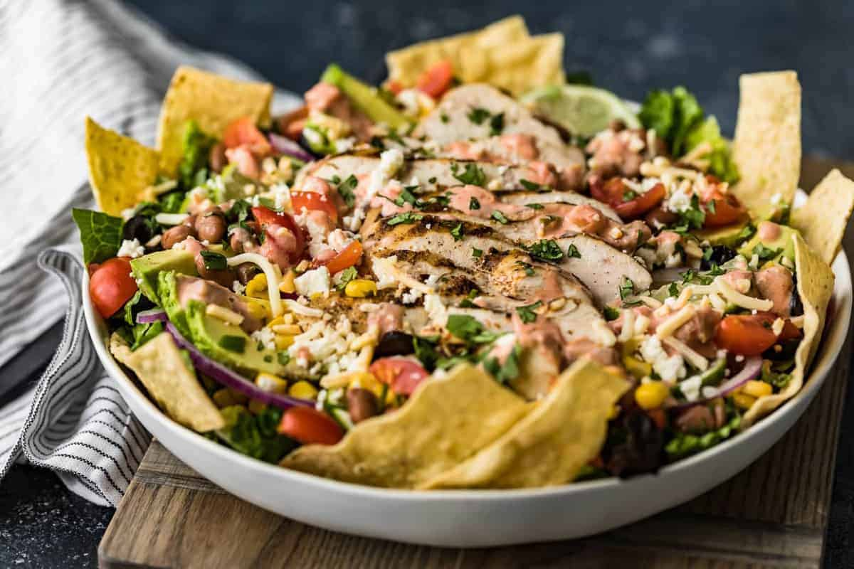 Chicken taco salad with tortilla chips