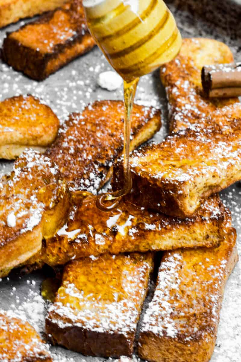 drizzling syrup on french toast sticks