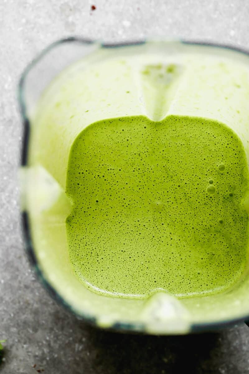 peruvian green sauce in blender