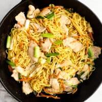 chicken chow mein in skillet