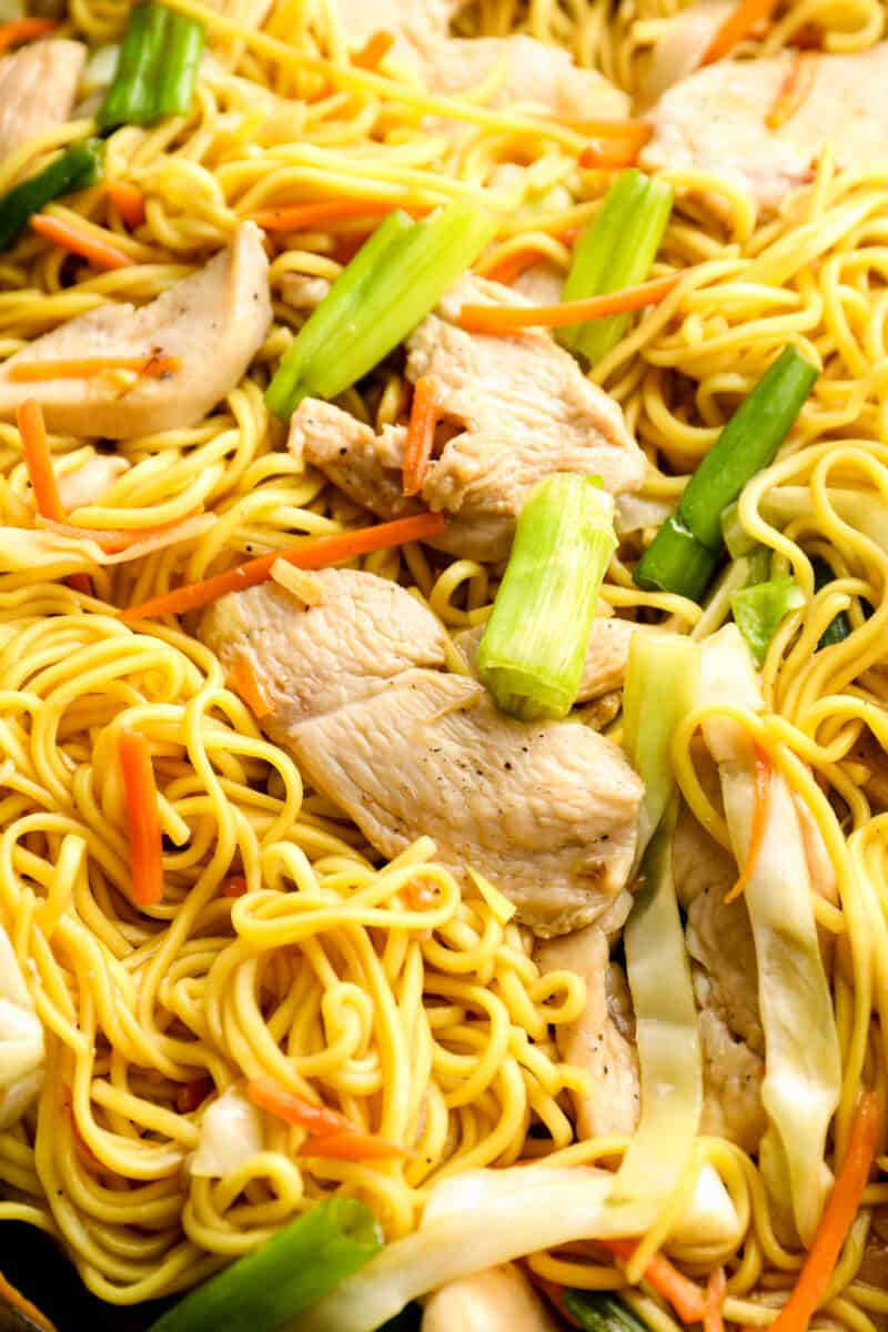 up close image of cooked chicken chow mein