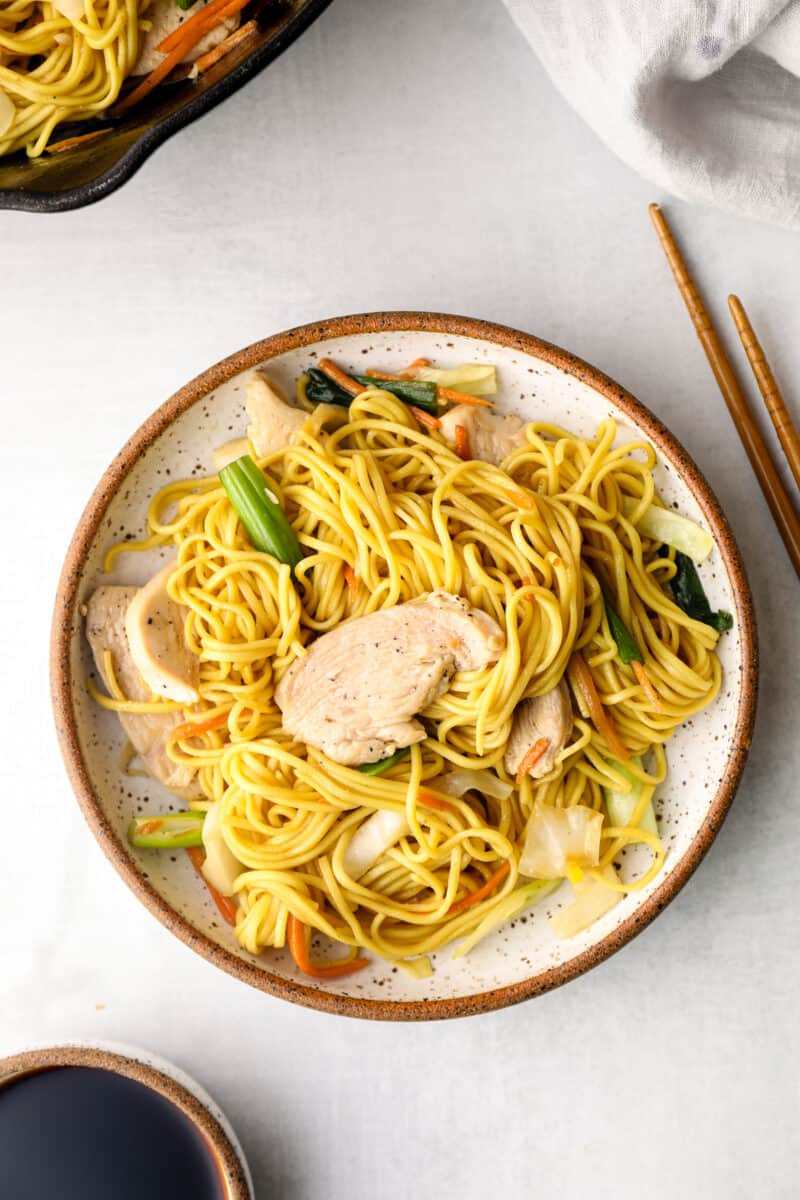 plate of chicken chow mein noodles