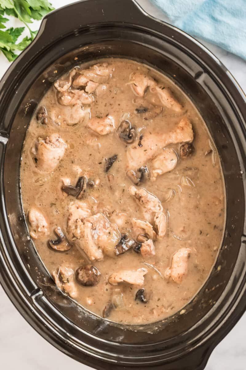 Crockpot chicken marsala in pot.
