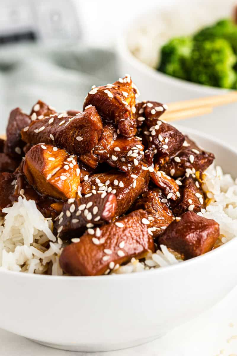 crockpot sesame chicken over white rice