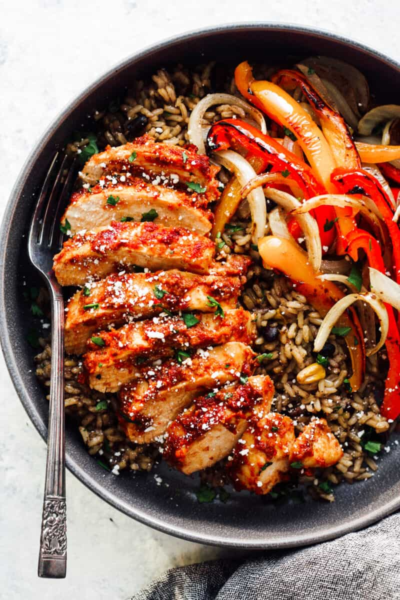 chipotle chicken with rice and peppers