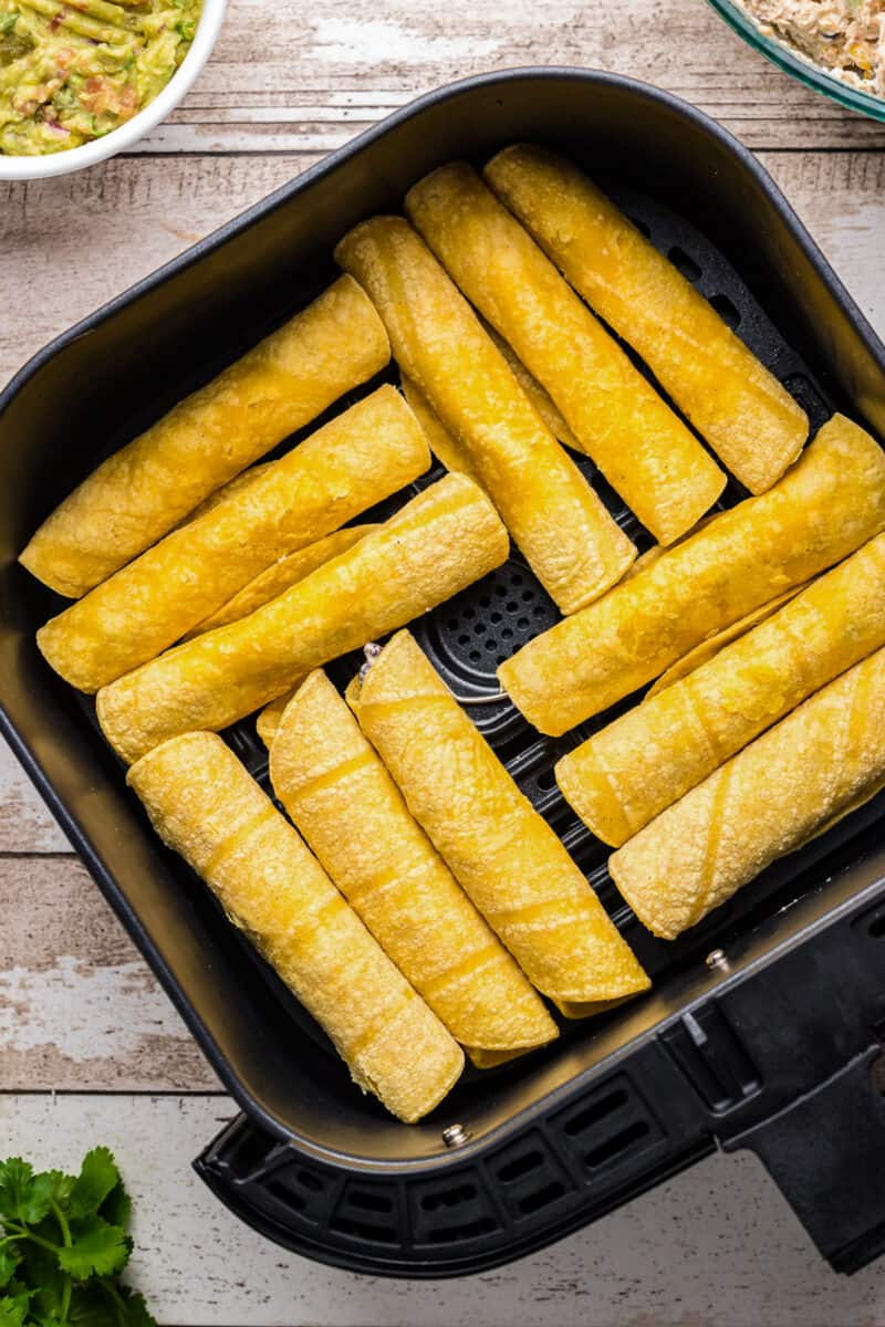 air fryer with chicken taquitos