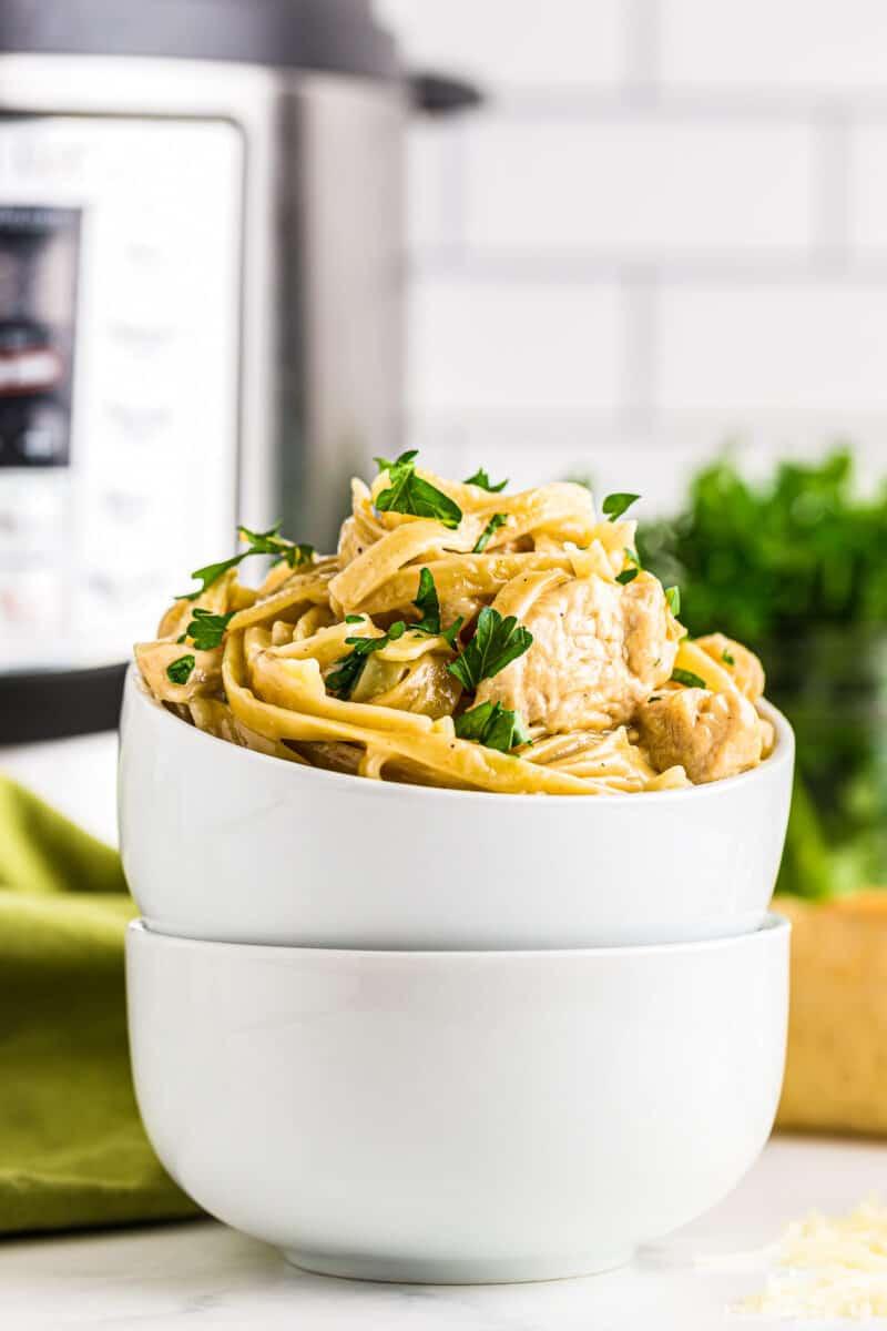 side image of instant pot chicken alfredo
