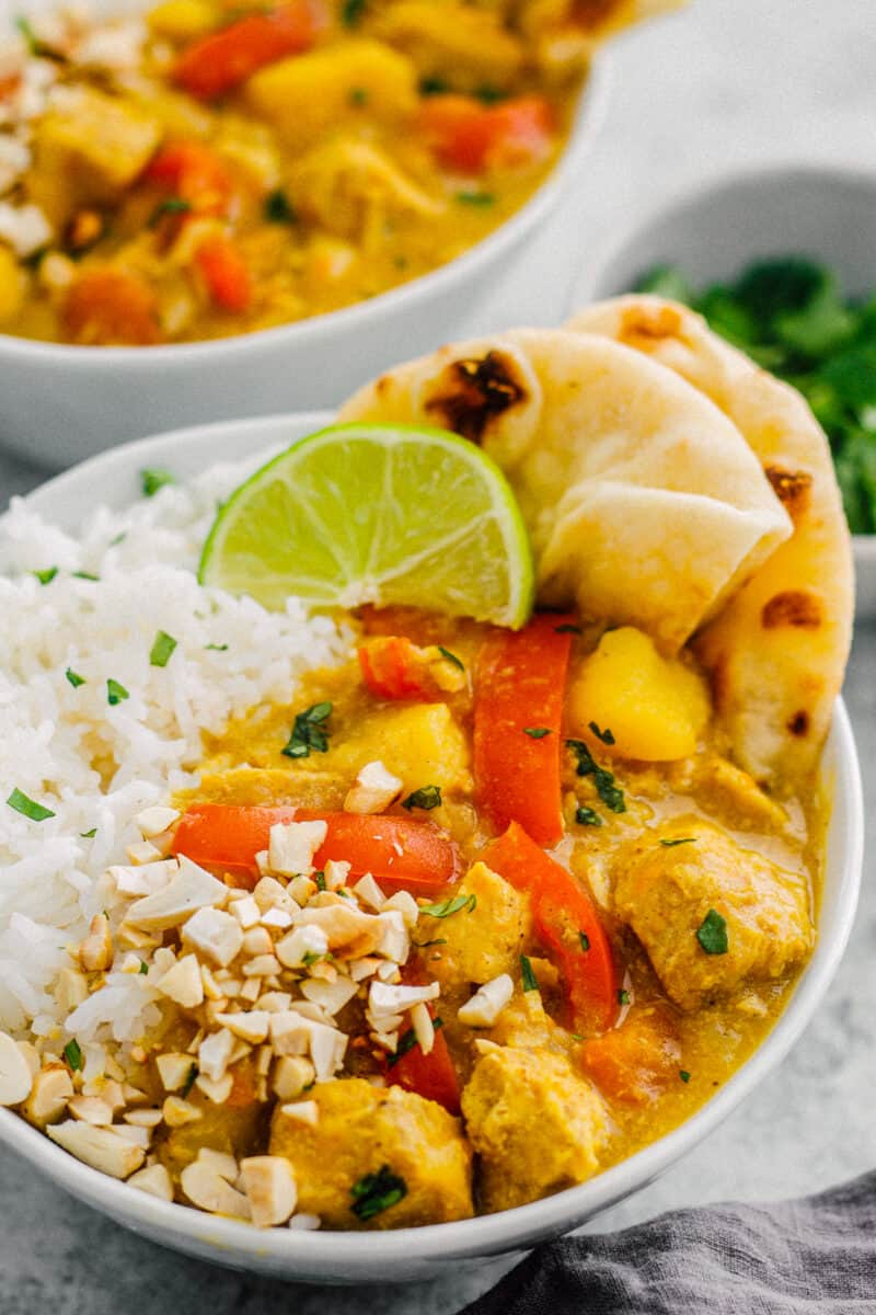 instant pot chicken curry over white rice with naan